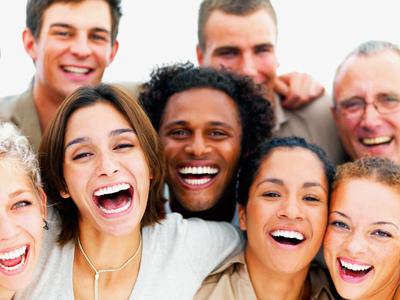 الأصل التطوري للضحك