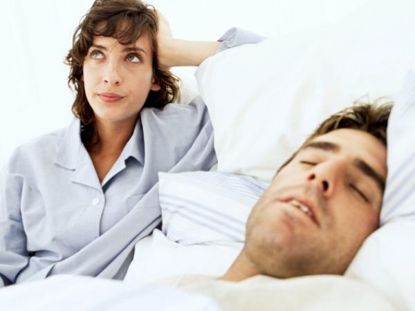 الكلام أثناء النوم