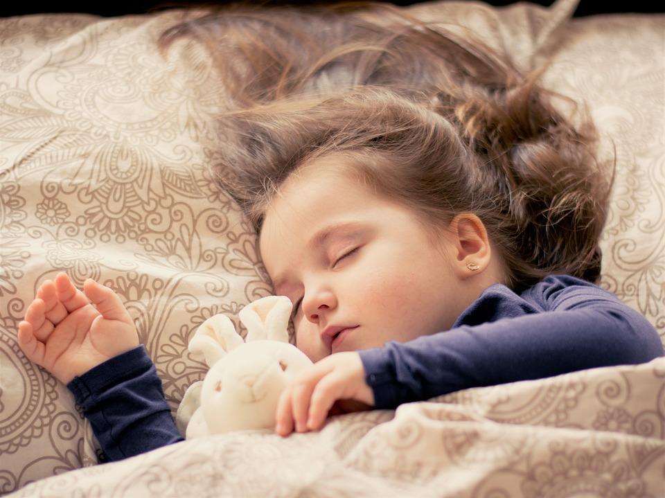 تحسين الذاكرة وقدرات الدماغ عبر النوم