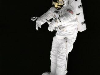 رائد فضاء