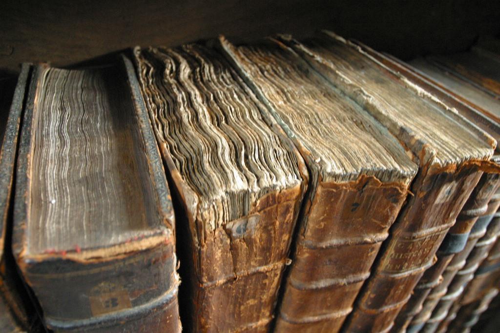 كتب قديمة
