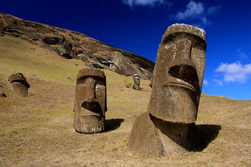 تماثيل جزيرة الفصح