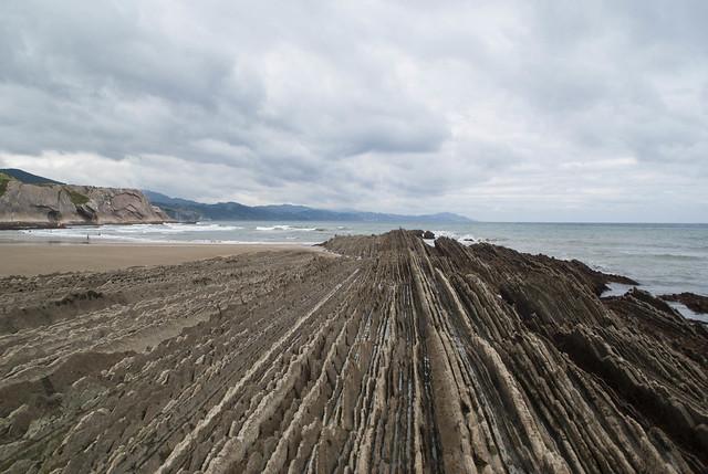 طبقات صخرية في زومايا، الباسك، اسبانيا